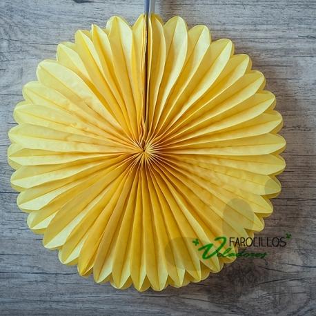 Abanico de papel de seda amarillo. 25 y 40 cm.